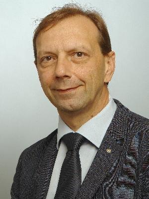 Patrick Robyr , Secrétaire